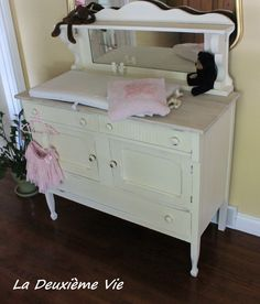 Antique Oak buffet  with mirror painted Old White (ASCP) as a changing station by LDV