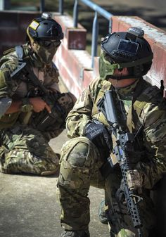 US Air Force Pararescue (129th Rescue Wing) secure the rooftop for Urban Combat extraction