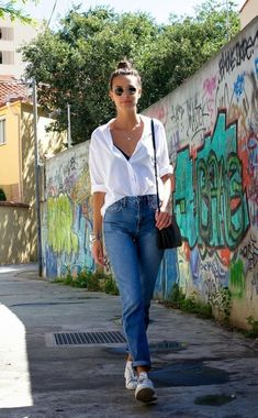 Ropa fashion, trendy summer outfits y mom jeans outfit. Mom Jeans Outfit Summer, Trendy Summer Outfits, Simple Outfits, Hot Day Outfit, Casual Summer, Mode Outfits, Fashion Outfits, Womens Fashion, Jean Outfits