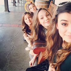 *sigh* I SO wish I could be on dance moms, or atleast compare to their ability..          They are so friendly, and nice to each other! Awwww!