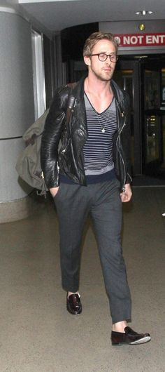 You always look amazing at the airport. #mylove #RyanGosling