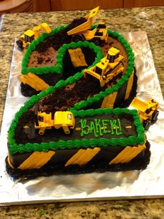 Construction theme birthday cake construction cake dirt cake 2 cake Use cupcakes: cookies and cream, crushed Oreos for dirt 2nd Birthday Boys, Second Birthday Ideas, 2 Birthday Cake, 2nd Birthday Parties, Tractor Birthday Cakes, Digger Birthday, Invitation Fete, Construction Birthday Parties, Construction Theme Cake