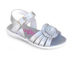 Para las que ya no son tan niñas, presentamos la colección junior, sandalias de piel con gran calidad y diseño. Roly Poly Shoes & Boots. Zapatos para niñas.