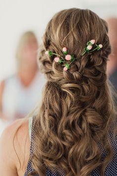 gorgeous half up half down wedding hairstyle
