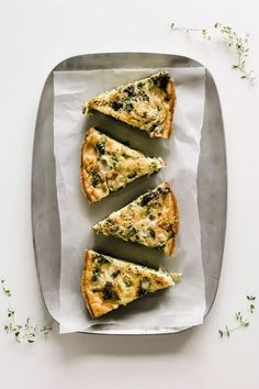 How do you make the best Veggie Frittata? To make the best veggie frittata, I have 2 secrets! Gout Recipes, Egg Recipes, Brunch Recipes, Breakfast Recipes, Party Recipes, Breakfast Ideas, Breakfast For A Crowd, Southern Recipes, Coffee Recipes