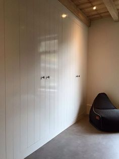 Beautiful closets and ceiling! Beautiful Closets, Armoire, Attic Rooms, Home Upgrades, Storage Cabinets, Cupboards, Closet Designs, Bedroom Loft, Interior Design Living Room