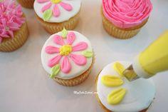 Flower Cupcakes - Blog Tutorial