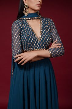 Shop Vvani by Vani Vats Embroidered Gharara Set , Exclusive Indian Designer Latest Collections Available at Aza Fashions Party Wear Indian Dresses, Designer Party Wear Dresses, Indian Gowns Dresses, Indian Fashion Dresses, Kurti Designs Party Wear, Dress Indian Style, Indian Designer Outfits, Fashion Outfits, Kurti Neck Designs