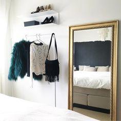 100 slaapkamer ideeën, inspiratie en tips voor het inrichten - Makeover.nl Master Bedroom, Bedroom Decor, Oversized Mirror, Furniture, Tips, Home Decor, Organize, Master Suite, Decoration Home