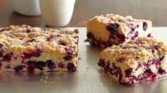 Guarda questa ricetta - Torta ai mirtilli – di Alton Brown e altri gustosi piatti su Food Network