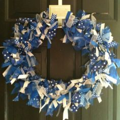University of KY DIY Ribbon wreath. Use any college colors to decorate your door during football or basketball season!