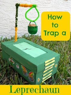 Build a Leprechaun Trap.I ALWAYS made leprechaun traps when I was little, coming from an Irish family. Its one of my favorite holidays because of it! Definitely sharing the fun. School Projects, Projects For Kids, School Ideas, Sant Patrick, Cadeau Parents, St Patricks Day Crafts For Kids, Happy St Patricks Day, Leprechaun Trap, Kobold