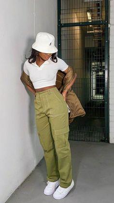 Tomboy Fashion, Teen Fashion Outfits, Retro Outfits, Look Fashion, Streetwear Fashion, Black Girl Fashion, Girl Outfits, Baddie Outfits Casual, Cute Swag Outfits