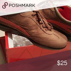 🔥🔥Flash Sale! Aerosoles NIB 🔥Sale through midnight!  Never worn! New Air Cushion Mid Brown Nubuck in original box.. 1/3 of the MSRP! AEROSOLES Shoes