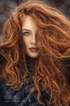 41 ideas photography portrait freckles redheads for 2019 Beautiful Red Hair, Gorgeous Redhead, Beautiful Eyes, Beautiful People, Beautiful Pictures, Red Hair Woman, Long Red Hair, Curly Red Hair, Thick Hair