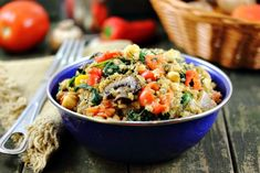 Quinoa with Garlic, Garbanzos and Fresh Vegetables