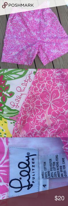 FLASH SALE high waisted Lilly Pulitzer shorts Cutest salamander design! High waisted Bermuda short  Lilly Pulitzer Shorts Bermudas