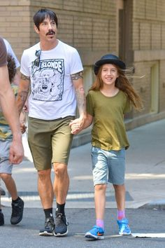 Anthony Kiedis & His Big Apple Boy, read more at http://my-healthy-pregnancy.info/