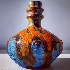 "Polubienia: 2, komentarze: 0 – modern (@modern_old2new) na Instagramie: ""Ruscha Uranus vase #ruscha #uranus #blue #orange #fatlava #glaze #wgp #west #westgermanpottery…"" Space Age, Urn, Blue Orange, Ceramic Art, Lava, Pop Art, Germany, Pottery, Ceramics"