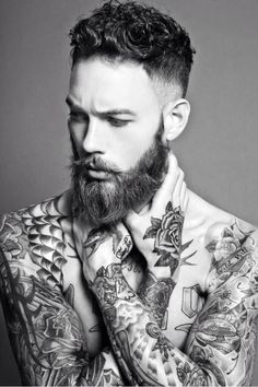 Models mit Vollbart: Bart, aber herzlich