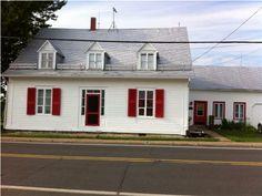 Maison ancestrale à un étage et demi à vendre à Sainte-Croix. Bâtie en 1840.  MLS 16191888