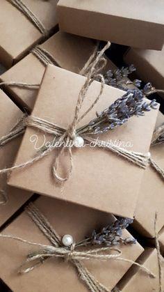 Οικονομικές μπομπονιέρες γάμου κουτάκι με λεβάντα vintage στυλ by valentina-christina handmade products χειροποίητες μπομπονιέρες γάμου καλέστε 2105157506 #mpomponieres #mpomponieresgamou#βάφτιση#μπομπονιερα #μπομπονιέρες #μπομπονιερες#valentinachristina #vaptism #christeningfavors #μπομπονιερες_γαμου#weddingfavors #μπομπονιέρες_γάμου Wedding Colors, Wedding Flowers, Wedding Day, Favors, Wedding Invitations, Wedding Decorations, Parties, Gift Wrapping, Weddings