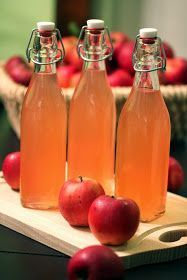 Steam extractor: apple juice – homemade - Decorations for Home Homemade Apple Juice, Food Club, Decoration Table, Hot Sauce Bottles, Brewing, Food And Drink, Sweets, Fruit, Diy