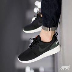 Nike Roshe One Retro | EU 40 – 47.5 | 89€ | shop: asphaltgold.de #nike #roshe #rosherun #roshes #nikeroshe #nikerosherun #teamroshe #asphaltgold #sneakerstore #darmstadt #germany #sneaker #sneakers #streetwear #kicks #wdywt #smyfh #kotd #womft #todayskicks #sneakeraddict #sneakerfreak #sneakerfreaker #sneakerfreakermag #snkrfrkr #sneakerfreakerofficial #snkrfrkrmag