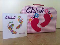 Leuke koffertjes met opdruk van geboortekaartje