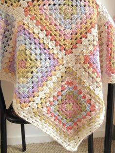 Transcendent Crochet a Solid Granny Square Ideas. Inconceivable Crochet a Solid Granny Square Ideas. Beau Crochet, Crochet Diy, Crochet Quilt, Manta Crochet, Love Crochet, Crochet Crafts, Crochet Hooks, Crochet Projects, Diy Crafts