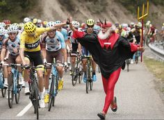 Britain's Chris Froome all but wrapped up a third consecutive and fourth overall Tour de France victory on Saturday as he increased his… Chris Froome, Cycling Quotes, Cycling Memes, Bicycle Race, Pro Cycling, Road Bikes, Men Dress, Fitness, Racing