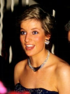 "December 16 1987 Diana, Patron, British Lung Foundation and Charles attended a Gala Premiere of ""Cinderella"" at the Royal Opera House, Covent Garden Princess Diana Family, Royal Princess, Princess Of Wales, Lady Diana Spencer, Kate Middleton, Prinz William, Prinz Harry, Diana Fashion, Charles And Diana"