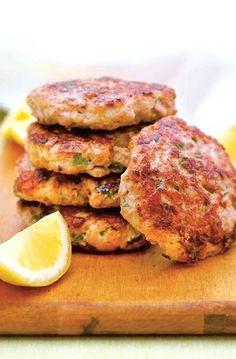 Low FODMAP Recipe and Gluten Free Recipe - Turkey burgers http://www.ibs-health.com/low_fodmap_turkey_burgers.html