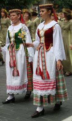 Best representation descriptions: Lithuanian Traditional Dress Related searches: Formal Dresses for Women,Traditional Dress,Seshoeshoe Dres. Folk Clothing, Historical Clothing, Traditional Fashion, Traditional Dresses, Costume Ethnique, Costumes Around The World, Ethnic Dress, Folk Costume, People Of The World