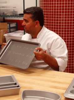 Who else loves Cake Boss? Cake Boss Bakeware
