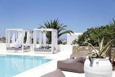 Livin Mykonos Hotel - L'établissement Livin Mykonos Hotel se situe à seulement 600mètres de la ville de Mykonos, à 3km de la célèbre plage de Psarrou. Adresse Livin Mykonos Hotel: Drafaki 84600 Mykonos City