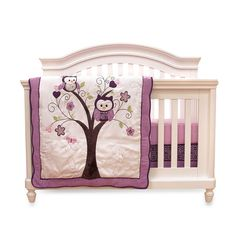 Complete your baby's bedding design with this lovely machine-washable comforter set. Complete with a fitted sheet and skirt, this set features a warm plum pink color with a charming owl motif.