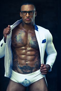 """allmaleharem: """" David Mcintosh """" I typically don't like men with a lot of tats….But this man is sexy AF! Black Is Beautiful, Gorgeous Men, Beautiful Body, Beautiful People, David Mcintosh, Hommes Sexy, Straight Guys, Male Body, Fitness Inspiration"""
