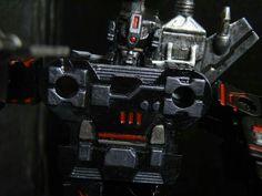 Custranz Carnage #customtransformer #g1 #decepticon cassette head & chest #detail #transformers #g1 #creative #designer #commission #transformerscollection
