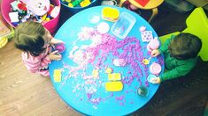Make Your Own Moon Sand, Dirt Cheap by Wise Bread #KIds #DIY Moon_Sand #wisebread