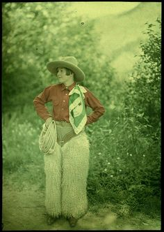 cowgirl, circa 1910-1920 >> I wonder if I could have been a cowgirl...