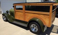 1929 Ford Model A woodie Classic Trucks, Classic Cars, Station Wagon Cars, Surf Rods, Woody Wagon, Futuristic Motorcycle, Old Ford Trucks, Wooden Car, Old Fords
