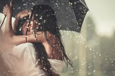 25 Wedding Images That Are More Than Just A Bunch Of Pretty Pictures Wedding Photography List, Rain Photography, Photography Contests, Beauty Photography, Lifestyle Photography, Couple Photography, Engagement Photography, Portrait Photography, Kissing In The Rain