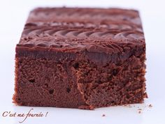 The chocolate cake of Cyril Lignac: FABULOUS! (This is my batch! French Desserts, No Cook Desserts, Sweet Recipes, Cake Recipes, Dessert Recipes, Chefs, Thermomix Desserts, Cake & Co, French Pastries