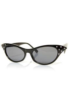 Black Frenchy Cateye Sunglasses    Unique Vintage $12