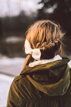 Braid + Bow CLICK THIS PIN if you want to learn how you can EARN MONEY while surfing on Pinterest Winter Hairstyles, Pretty Hairstyles, Braided Hairstyles, Style Hairstyle, Good Hair Day, Hair Dos, Gorgeous Hair, Hair Hacks, Hair And Nails