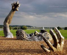 The Awakening (sculpture - at Hains Point. (since the sculpture was moved to National Harbor in Prince George's County, Maryland). Louise Bourgeois, Unusual Art, Unique Art, Budapest, Dc Travel, Weird Art, Strange Art, Land Art, Installation Art