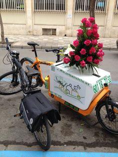 Megacentro de flores Team #urbanciclo #ecomensajeria Albacete Www.urbanciclo.es - Tw: @urbancicloalba- f: Urban Ciclo - Instagram: @urbanciclo