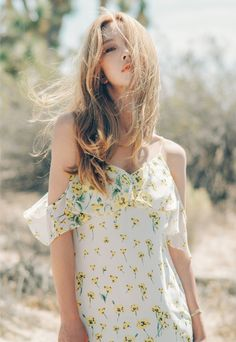 Ulzzang - Fashion - Beauty - Kpop I do NOT post pictures of myself! The girls' names are always in the tags! Korean Model, Korean Girl, Korean Style, Ulzzang Girl, My Girl, Korean Fashion, Fashion Online, Floral Tops, Style Inspiration