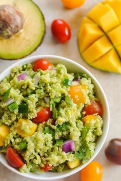Guacamole Quinoa with Mango - anti inflamm. snack food - all of the ingredients of guacamole, combined with quinoa and a little mango, for a tasty, healthy side dish! Healthy Sides, Healthy Side Dishes, Healthy Snacks, Healthy Eating, Vegetarian Recipes, Cooking Recipes, Healthy Recipes, Superfood Recipes, Simple Recipes